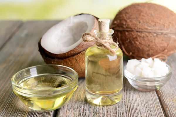 Powody, dlaczego powinnaś używać oleju kokosowego