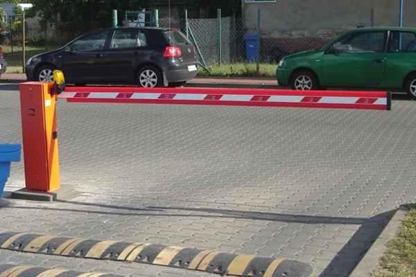 Kiedy blokada na miejscu parkingowym jest niezbędna?